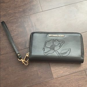 Michael Kors Authentic Wristlet/Wallet